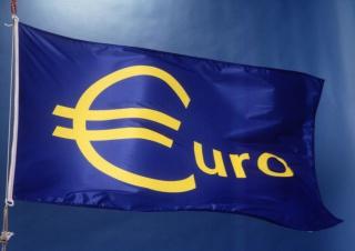 Почему евро слабее, чем