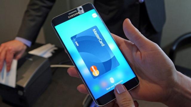 Через Samsung Pay прошло