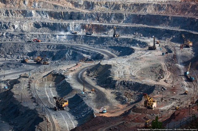 Железная руда, медь и