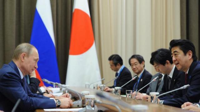 Абэ: G7 необходимо