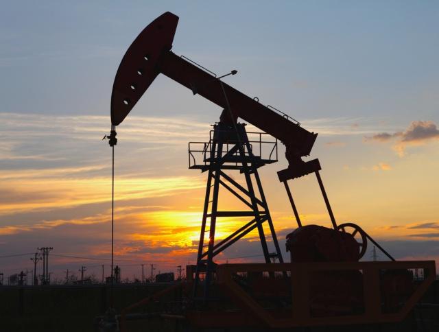 Цены на нефть вновь