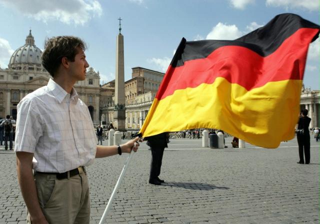Германия ухудшила