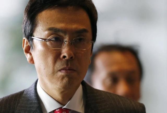 Япония: министр новый,