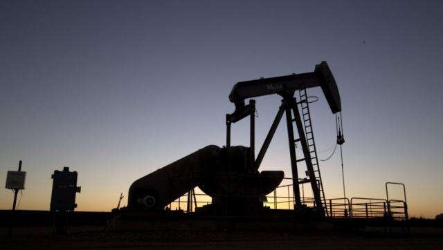 Нефть WTI вновь упала