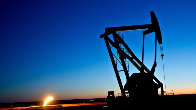 Нефть выросла на 10%
