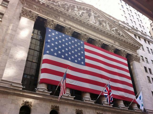 Рынок бьется в потолок