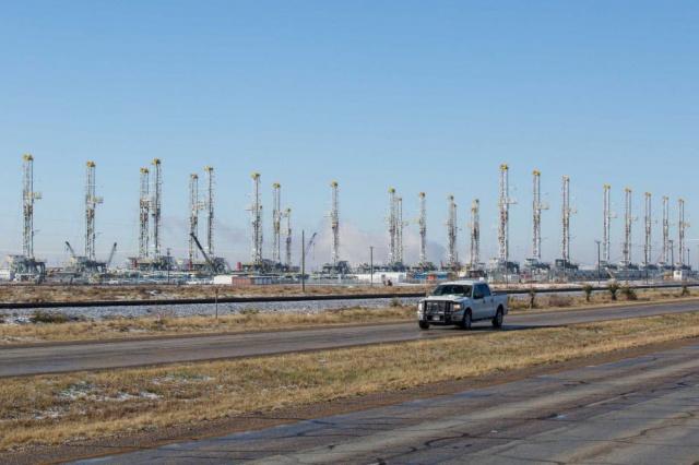Число нефтебуровых в США