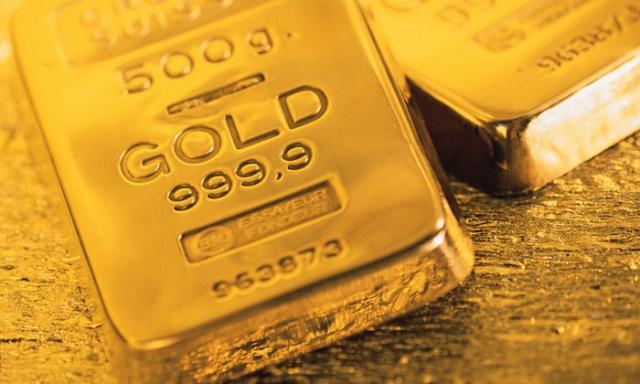 Золото установило