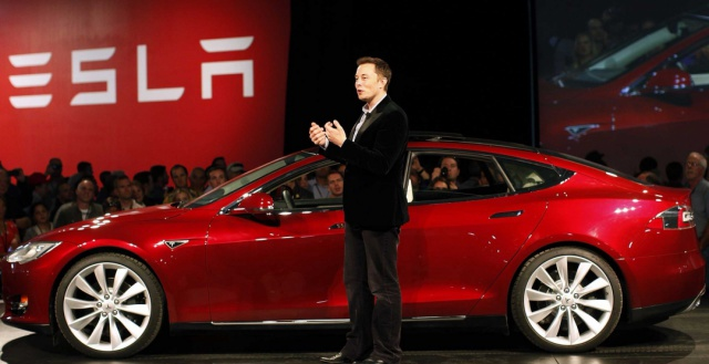 Tesla отнимает