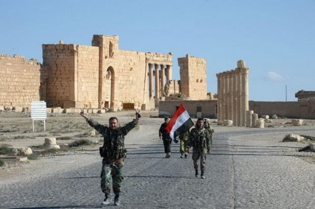 IHS: доходы ИГИЛ упали