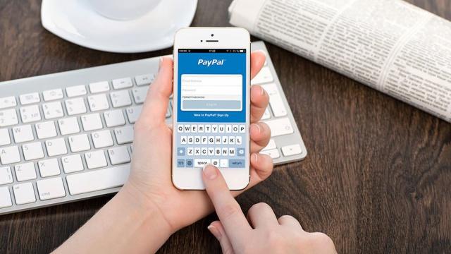 Выручка PayPal растет за