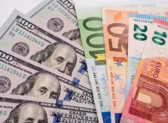 Куда вложить доллары и