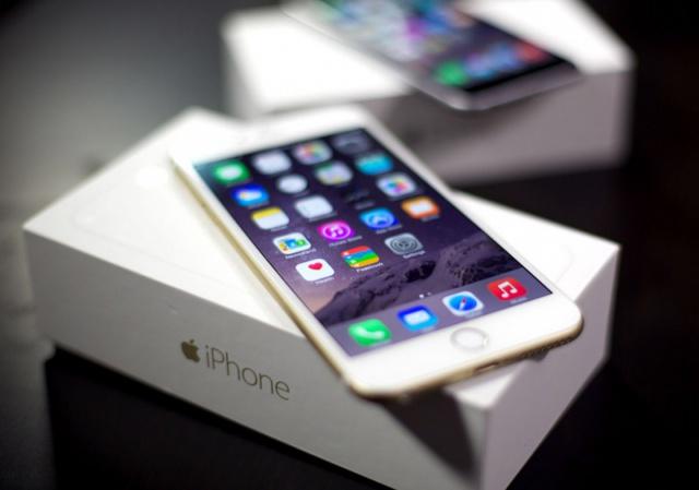 Продажи iPhone в России