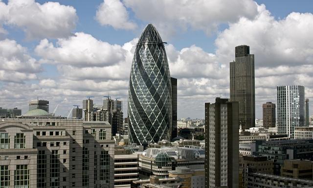 Лондон теряет долю на