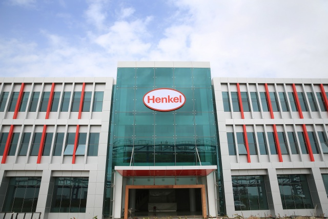 Henkel и Sanofi продают