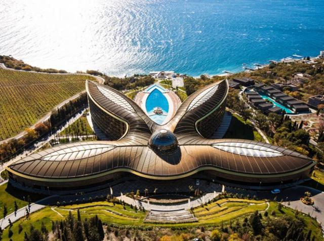 Отель в Крыму признали