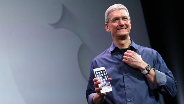 Акции Apple выросли на