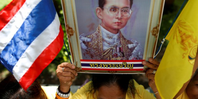 Рынок Таиланда рухнул на