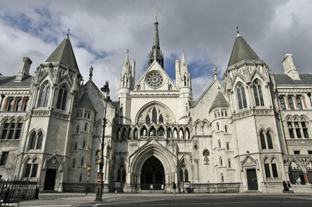 Британский суд оправдал