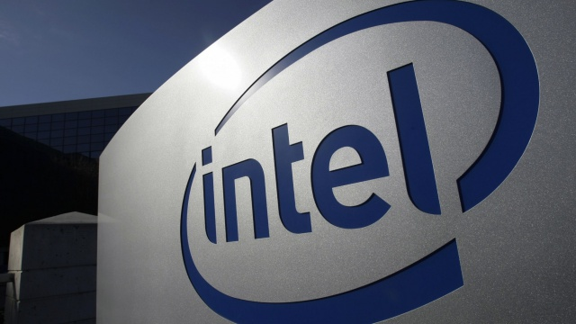 Прибыль Intel растет, но