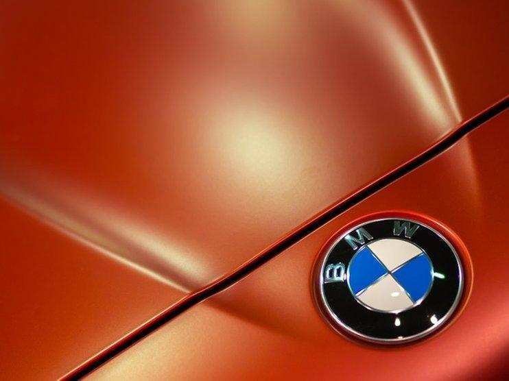 Чистая прибыль BMW в