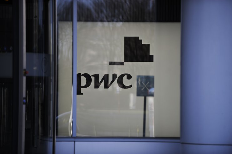 США оштрафовали PwC на