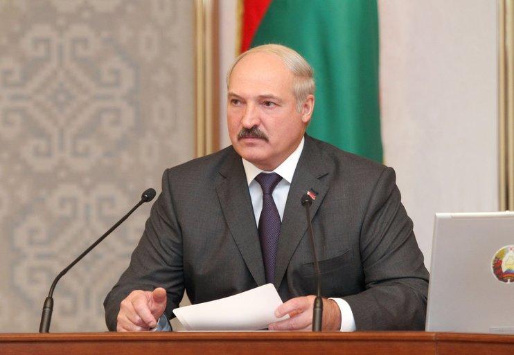 Лукашенко потребовал