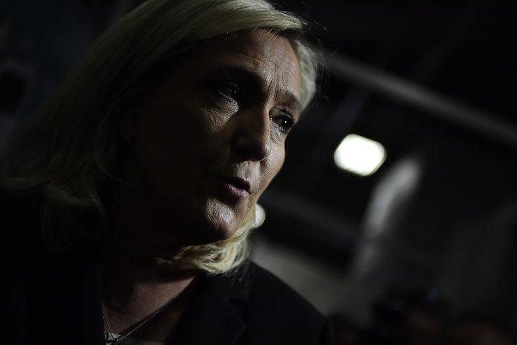 Ле Пен проиграла суд